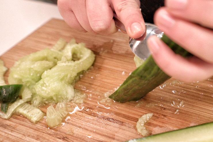 Kefir Gurken Suppe - Ein sommerlich erfrischendes Kefir Rezept - die Gurke