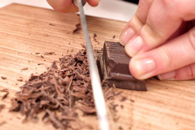 Kefir Stracciatella Cream – Vanilla meets Organic Kefir, Blackberries and Chocolate - The Chocolate