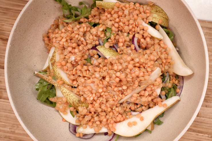 Rocket salad with kefir and lentils - a great salad for BBQ - the lentils