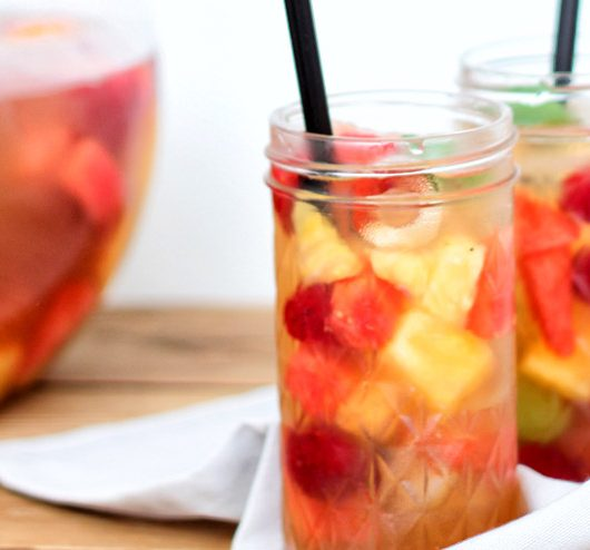Sparkling kombucha punch with melon, berries and pineapple - a burner for every party - the final