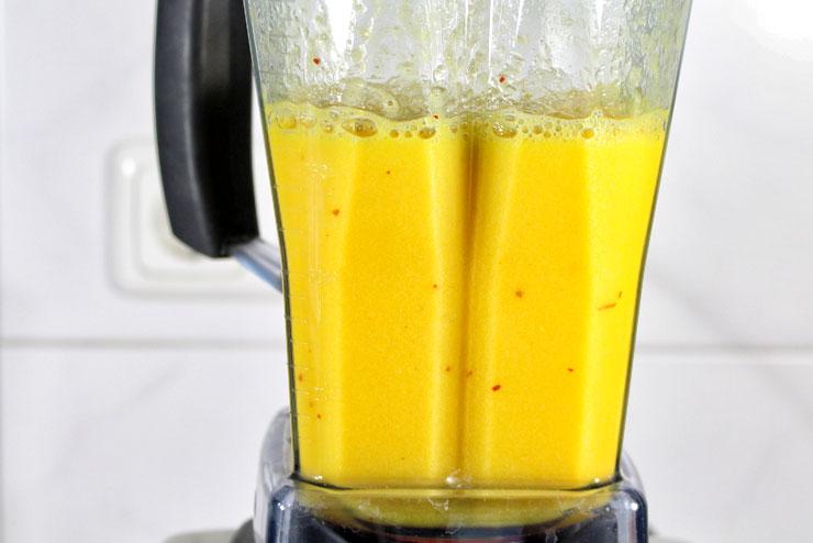 Hot Orange Kefir Drink mit Chili und Orange - ein lecker würziges Getränk für alle die es schärfer mögen - im Mixer