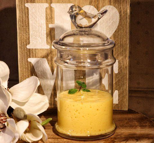 Mango Lassi Kefir Smoothie – ein lecker sommerliches Kefirgetränk mit Mango und Milchkefir - Titelbild