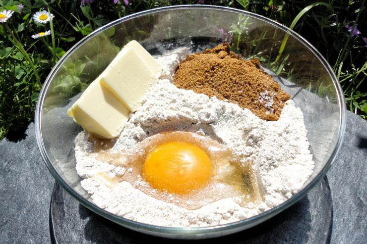 Milchkefir Rharbarberkuchen - ein lecker fruchtiger Sommertraum - der Teig