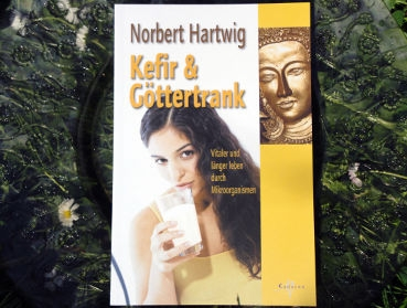 Do you want important information about water kefir (japanese water crystals), milk kefir (kefir grains) and kombucha tea fungus? Here you can buy books about kefir and kombucha online
