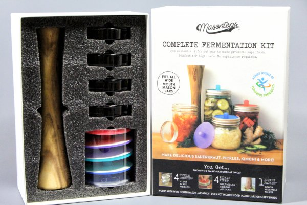 Do you want to ferment at home? Homemade kefir, water kefir, kimchi, sauerkraut, fermented vegetables and fermented juices? Her you can get a complete Fermentation Kit - 4 Pickle Pipes, 4 Pickle Pebbles, 1 Pickle Packer